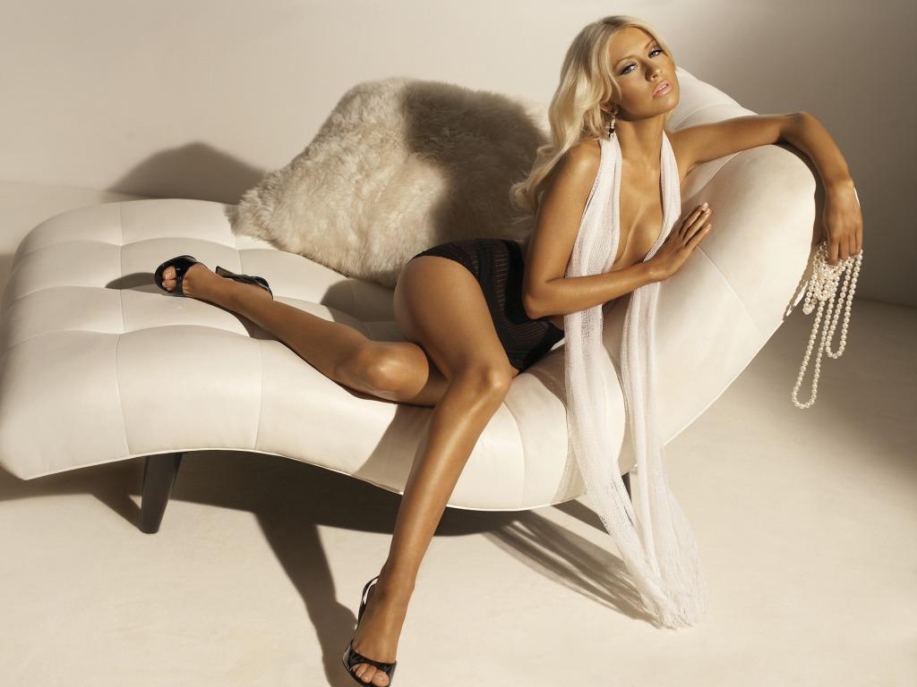 Christina Aguilera splendid