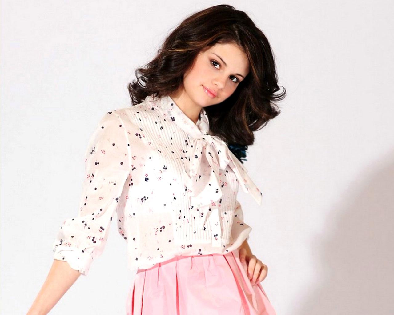 Sexy Selena Gomez wallpaper 02