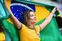 Sport Wallpaper - World Cup 2014 - Brazil fans - Girl with Brazil flag