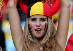 Sport Wallpaper - World Cup 2014 - Belgium fans - Angel or Red Devil 02