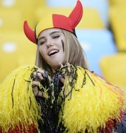 Sport Wallpaper - World Cup 2014 - Belgium fans - Angel or Red Devil 04