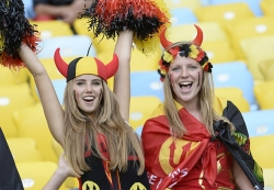 Sport Wallpaper - World Cup 2014 - Belgium fans - Angel or Red Devil 05