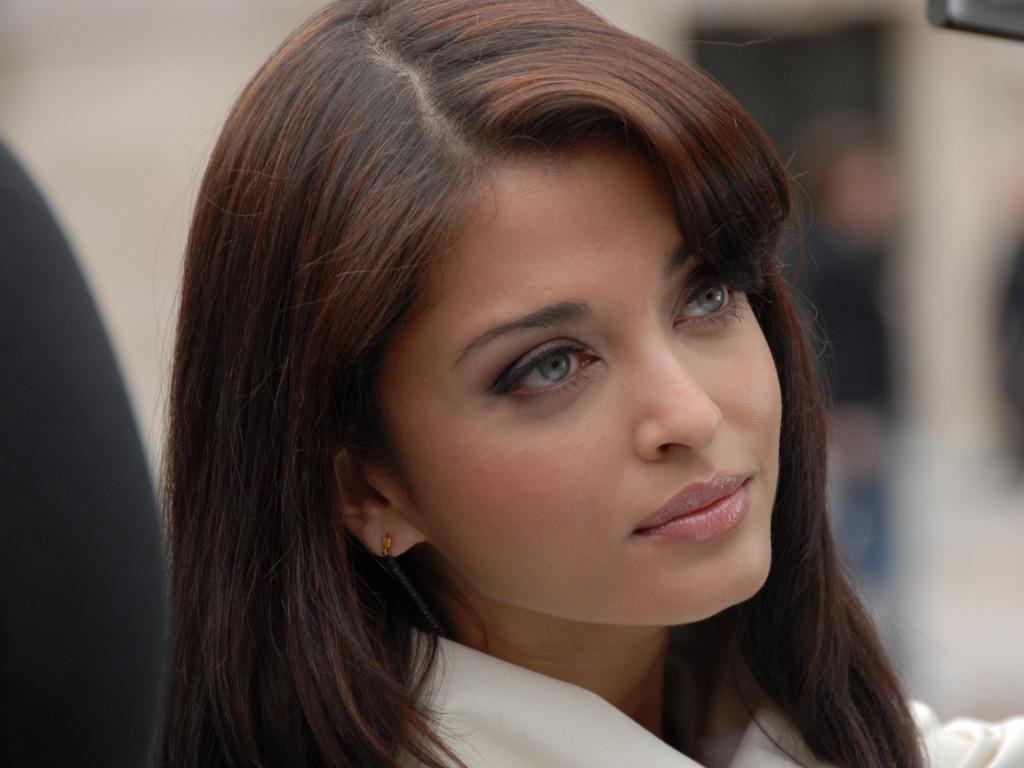 Aishwarya Rai close up