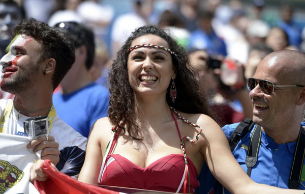 World Cup 2014 - Italy fans - Sexy female fan 04