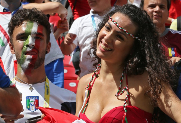 World Cup 2014 - Italy fans - Sexy female fan 05