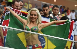 Sport Wallpaper - World Cup 2014 - Brazil fans - Sexy girl