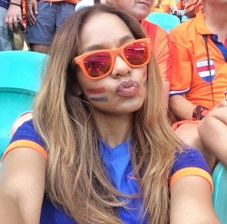 Sport Wallpaper - World Cup 2014 - Netherlands fans - Cute selfie