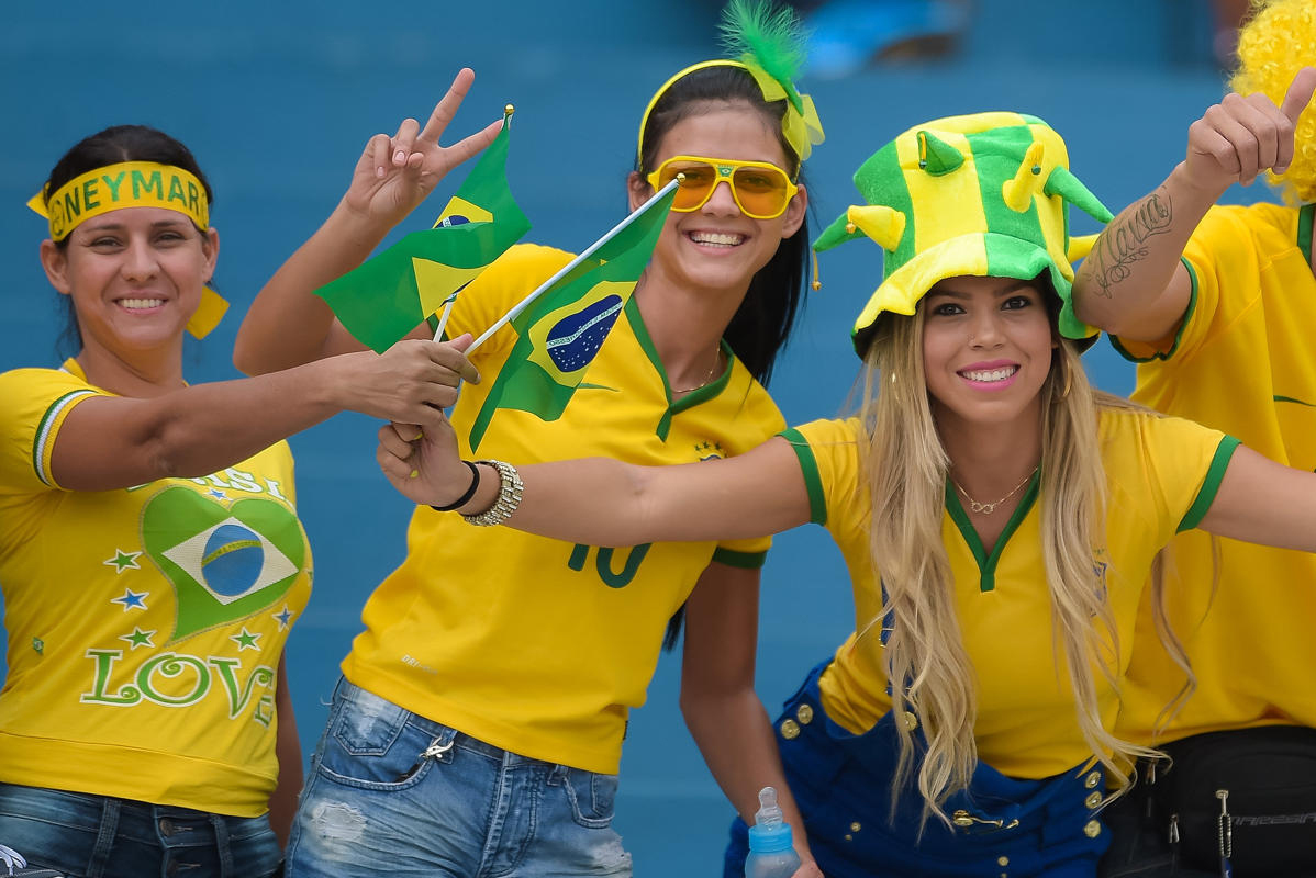 World Cup 2014 - Brazil fans - Cheer together