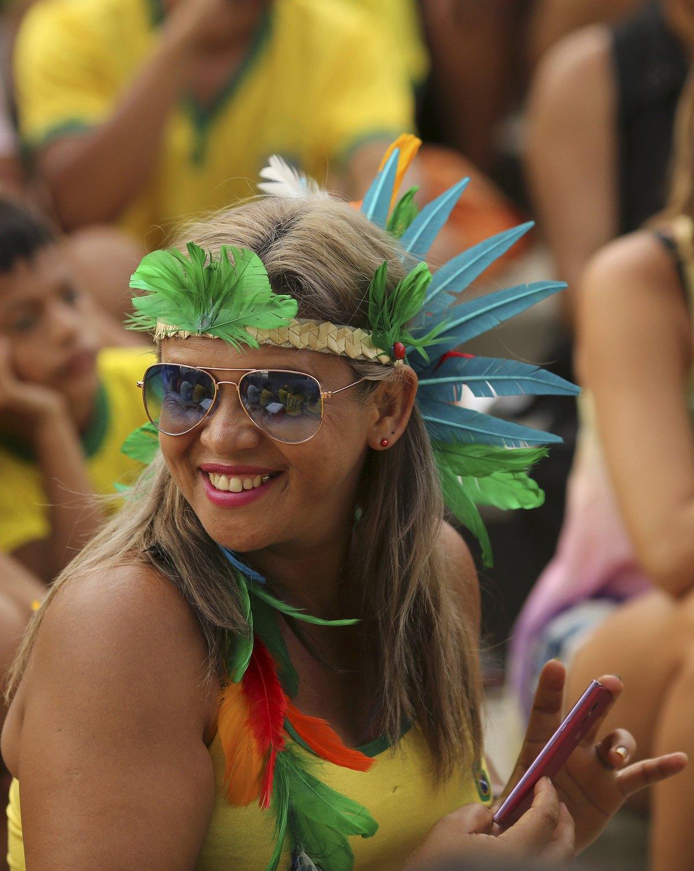 World Cup 2014 - Brazil fans - Impressive costum