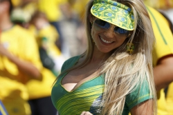 Sexy Wallpapers & Pictures - World Cup 2014 - Brazil fans - Sexy female fan