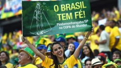 Sport Wallpaper - World Cup 2014 - Brazil fans - beautiful girl