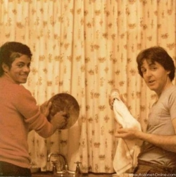 3D and Digital art Wallpaper - Michael jackson in the kitchen