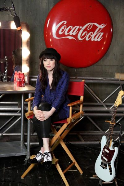 hey idol fans! want to help carly rae jepsen choose the lyrics