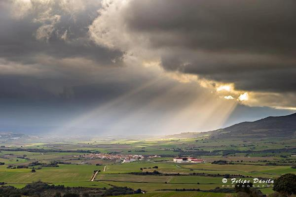 rain raysphoto by : felipe davila caballero