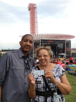 American Idol photos - Brandon is attending the Keith Urban concert in Austin tonight!