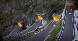 Funny photos - san boldo pass .. italy