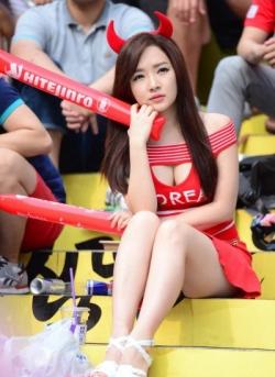 Sport Wallpaper - World Cup 2014 - Korea fans - Sexy red devil
