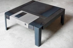 Funny photos - floppy Table