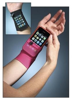 Funny photos - Holding phone like a ninja!