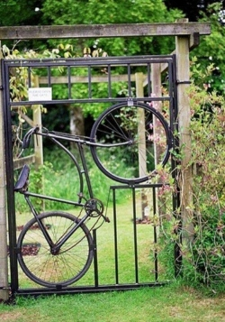 Funny photos - Bicycle Gate