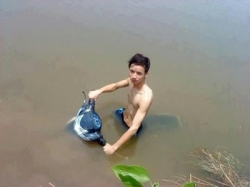 Funny photos - Drive on water
