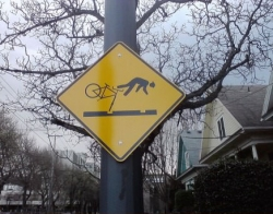 Funny photos - Portland has some excellent street signs!