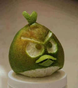 Funny photos - Angry grapefruit