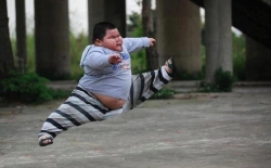 Funny photos - Fat boy jump