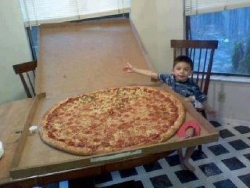 Funny photos - Super big pizza