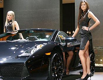 Car or model?