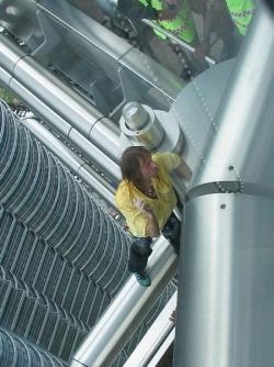Celebrity photos - Alain Robert on Twin Tower