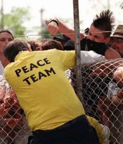 Funny photos - Peace team