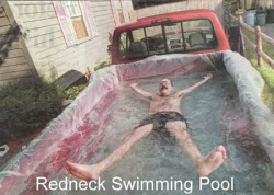 Funny photos - Redneck swimming pool