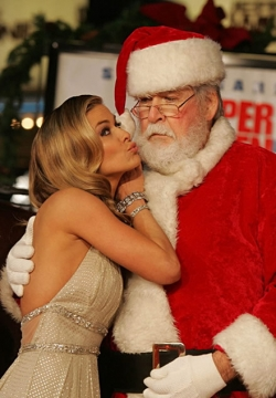 Funny photos - Santa's girlfriend