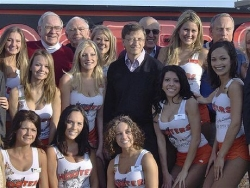 Celebrity photos - The hooters