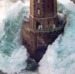 Funny photos - A light house