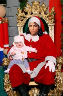 Celebrity photos - Santa MJ