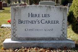 Celebrity photos - Tomb
