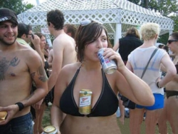Funny photos - Beer holder