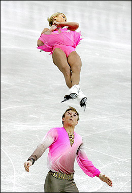 Skating toss