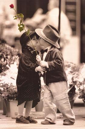 Fist kisssss!