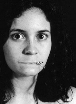 Funny photos - Piercing woman