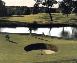 Funny photos - Big hole