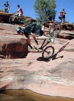 Funny photos - Biker takes a header