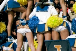 Funny photos - Cheer leader pyramid