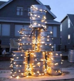 Funny photos - Frat's Xmas tree