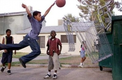 Funny photos - Basketball of the poor children