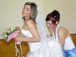 Wedding photos - Happy bride