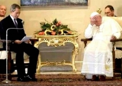 Celebrity photos - Bush n the pope