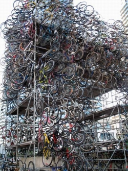 Funny photos - The mountain of bicycle